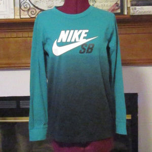 NWOT NIKE SB Top Size Small